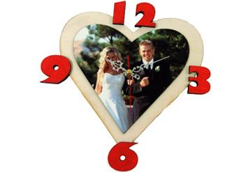שעון קיר מדהיםומעוצב עם תמונה והקדשה אישית לבחירתכם ב5...