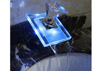 ברז מפל יפהפייה לכיור לרחצה לאמבטיה למטבח וכו' בעל תאורת לד מחליפת צבעים לפי חום המים! בגימור כרום ב349 ש