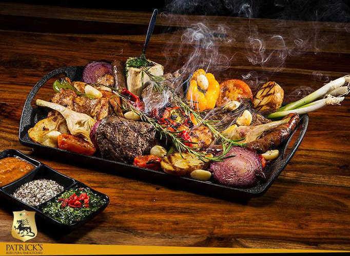 ארוחה זוגית מפנקת במסעדת פטריקס במתחם יס פלאנט בראשל