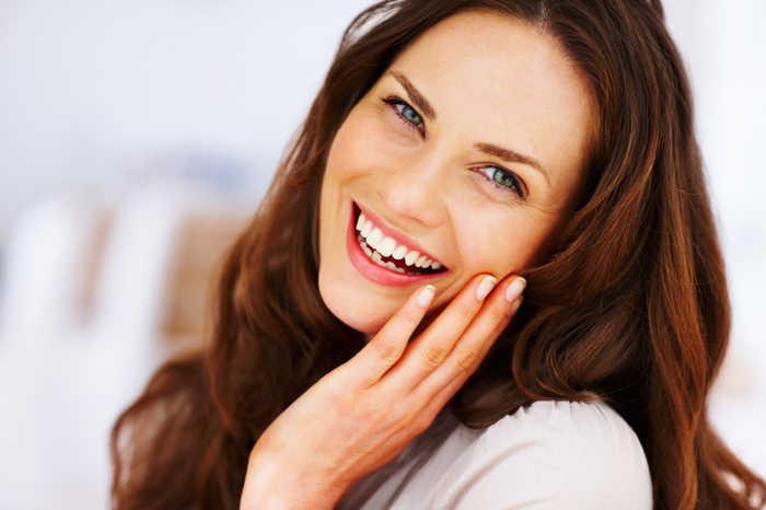 קרם נטורופתי אנטי אייג'ינג טבעי המעניק שיפור משמעותי בנראות העור, לעור צעיר, חלק, גמיש, קטיפתי ורענן ב180 ש