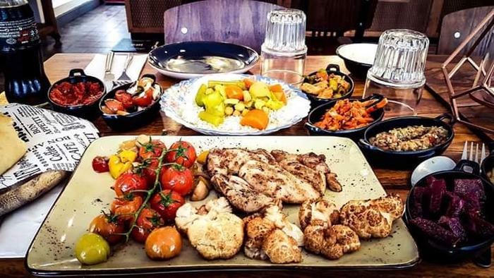 ארוחה זוגית מרוקאית כשרה ומיוחדת במיוחד עם מבחר מאכלים, בשרים ותוספות החל מ109 ש